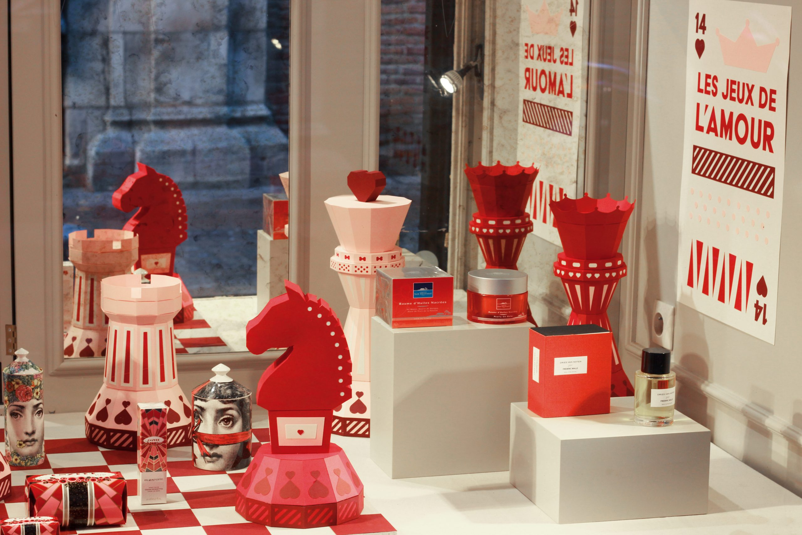 vitrine santa rosa saint valentin paper art